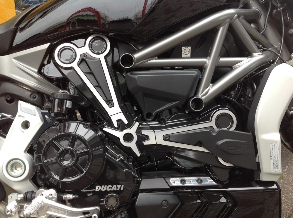 Xディアベルのエンジン