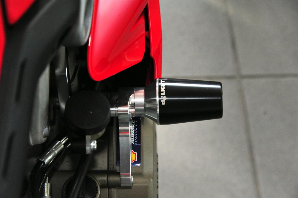 【新製品】V4 エンジンスライダーキット