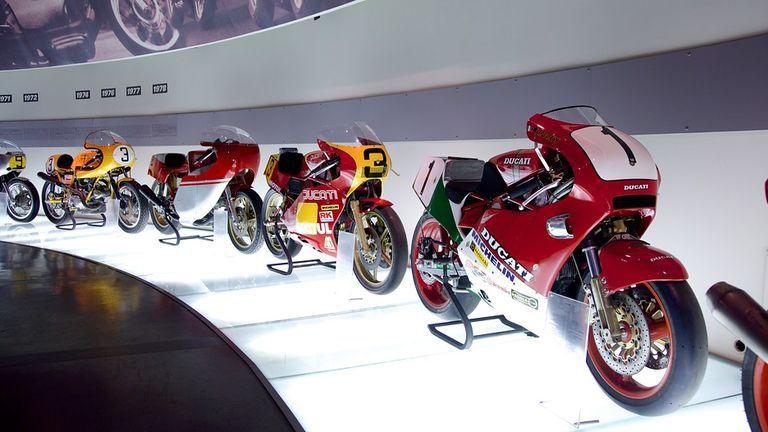 """Ducati Museum""へ"