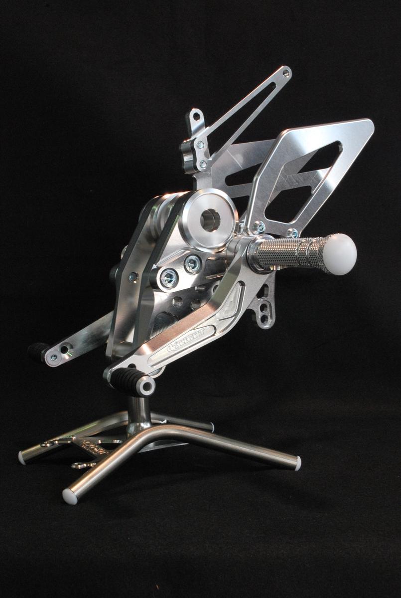 4ポジションステップキット シルバー M696